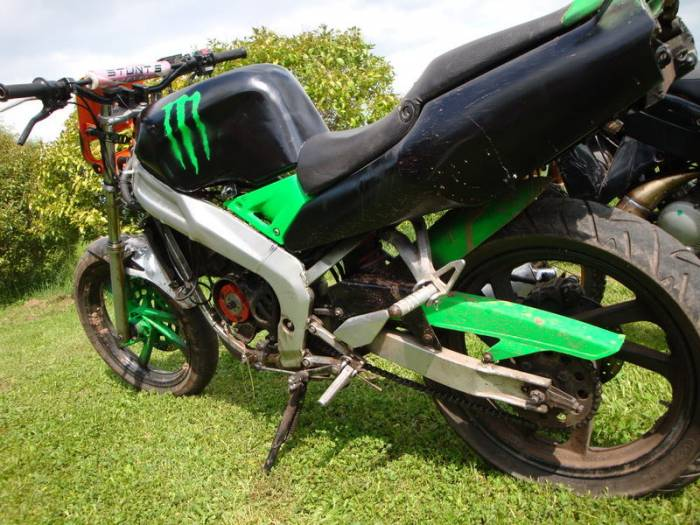 Recherche : Moto cross 50cc xps track